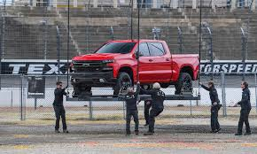 100 Nada Used Car Values Trucks GM To Hike Output Of Large Crew Cab Trucks With Redesigned 2019s
