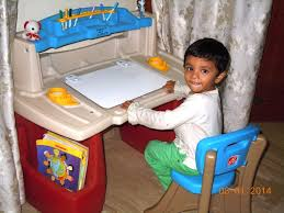 Step2 Art Easel Desk by An Art Desk For Piglet And A Rainbow Loom For Snubnose Nishitas