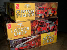 100 Model Fire Truck Kits 3 AMT VINTAGE LARGE FIRE TRUCK MODEL KITS RESTORE OR JUNKYARD