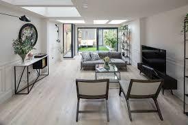 langgestrecktes wohnzimmer mit bild kaufen 13175989