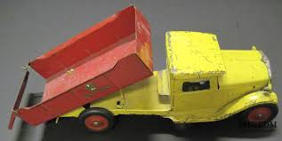 """Artifact Of The Month – Buddy """"L"""" Truck 