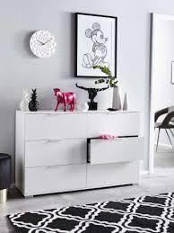 wohnzimmer in schwarz weiß einrichten mit kontrasten otto