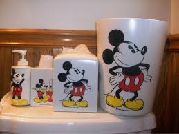 Mickey Mouse Bathroom Wall Decor by Decorating With Mickey Mouse Bathroom Set