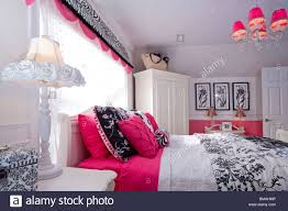 schlafzimmer in amerikanischen haus in schwarz