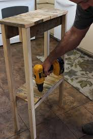 How To Build Wooden End Table by Remodelaholic Build A Pallet Table For Under 10