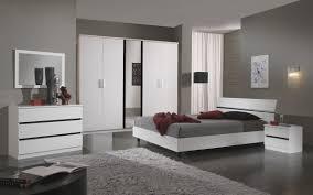 chambre complete blanche chambre blanc laque idées de décoration capreol us
