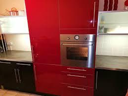 ikea küche faktum mit applad schwarz und abstrakt rot front