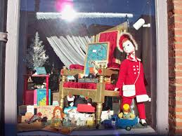 All Thats Vintage Holiday Window Displays