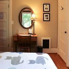 Tuxedo Cat Bed and Breakfast Bed & Breakfast 121 Cascadilla St