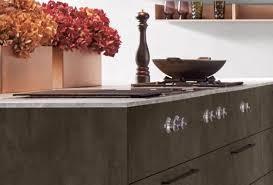 moderne küche mit metallic fronten marquardt küchen