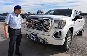 100 Huge Trucks Pricey Trucks Haul Jobs And Profits For The Detroit Three
