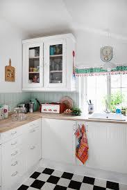 küche im landhausstil mit retro deko und bild kaufen