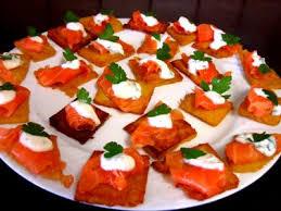 canapés saumon fumé canapés de polenta au saumon fumé recette pâtes alimentaires