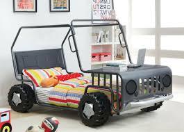 chambre enfant suisse le lit voiture pour la chambre de votre enfant archzine fr