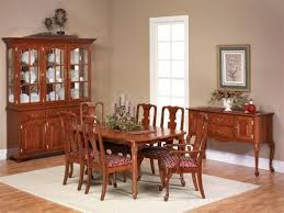 Dining Room Queen Anne Table Style With