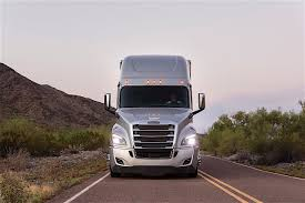 Daimler Trucks Official Dismisses The Tesla Semi, Isn't Worried ... Freightliner Trucks Is Putting Knowledge Daimler North Successful Year For With Unit Sales In 2017 Mercedesbenz Created A Heavyduty Electric Truck Making City Commercial Truck Success Blog Presents Itself At Worlds Largest Manufacturer Launches Pmieres Made India Trucks Iaa Show Selfdriving Semi Technology Moving Quickly Down Onramp Financial America Teams Up Microsoft To Make From Around The Globe Fbelow And Daimler Trucks North America Sign Long Term Official Website Of Asia