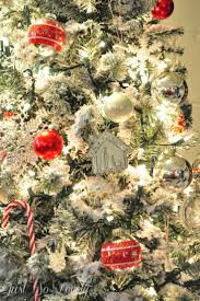 75 Flocked Christmas Tree by Best 25 Flocked Artificial Christmas Trees Ideas On Pinterest