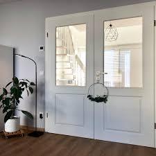 homestory scandi wohnzimmer flügeltür