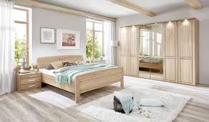 schlafzimmer in eichefarben