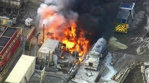 100 Truck Explosion 2 Dozen Treated After Truck Explodes Chemical Hits Air Ignites