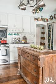 View In Gallery Traditional Warm Kitchen Decor