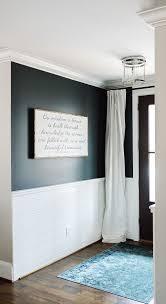 Two Tone Walls No Chair Rail by Best 25 Half Wall Decor Ideas On Pinterest Rustic Windows Pony