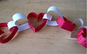 Valentines Day Paper Heart Chain Decoration