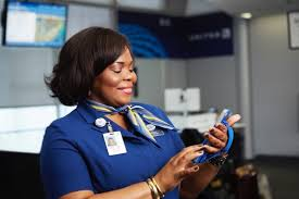 United Airlines Is Giving Its 6 000 Customer Service Reps The