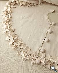 Poinsettia Tree Skirt Tutorial
