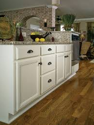 Wellborn Forest Cabinet Colors by Wellborn Forest Those Kitchen Guys And Granite