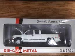 100 Diecast Promotions Trucks Buffalo Road Imports Chevy Silverado 2000 Pickup White TRUCK PICKUP