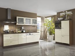 White Walls And Brown Kitchen Cabinets Ideas