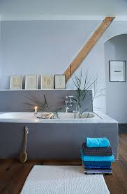 badezimmer im skandinavischen stil geprägt grauen farben