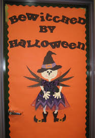 Halloween Door Decorations Pinterest by Granny Goes To Little Witch Door Decor And Freebie