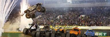 100 Truck Jump Record Breaking Stunt Attempt At Levis Stadium Monster Jam