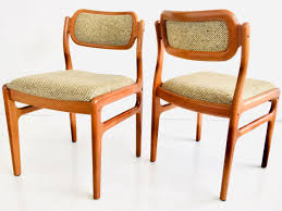 Pair Of Gio Ponti 1950s Italian Rush Seat Ladder Back Chairs — Clavel 6 Ladder Back Chairs In Great Boughton For 9000 Sale Birch Ladder Back Rush Seated Rocking Chair Antiques Atlas Childs Highchair Ladderback Childs Highchair Machine Age New Englands Largest Selection Of Mid20th French Country Style Seat Side By Hickory Amina Arm Weathered Oak Lot 67 Set Of Eight Lancashire Ladderback Chairs Jonathan Charles Ding Room Dark With Qj494218sctdo Walter E Smithe Fniture Design A 19th Century Walnut High Chair With A Stickley Rush Weave Cape Ann Vintage Green Painted