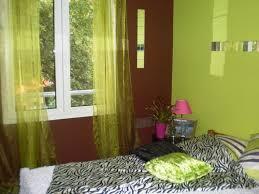 deco chambre chocolat deco chambre vert anis cheap chambre fille vert anis lambris pvc