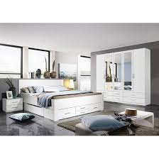 rauch blue schlafzimmer komplettangebot mit drehtürenschrank 5 türig schubkastenbett und nachtkonsole alpinweiß