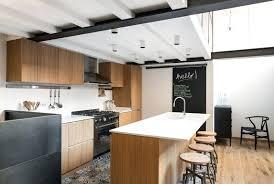 cuisine grise et plan de travail noir cuisine avec plan de travail cuisine noir avec plan de travail