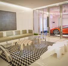 hochhaus garage nobelkarossen parken serienmäßig im