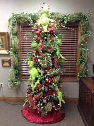 Whoville Christmas Tree Star by Grinch Christmas Tree Favorite Small Tree At Srkh Festival Of