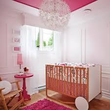 chambres de bébé chambre de bébé magnifiée par les moulures décors d enfants