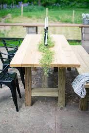 DIY Outdoor Farmhouse Table