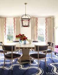 A Blue And White Serpentine Pattern Contemporary Rug In Dining Room Designed By Amanda