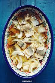 cuisine z herrings in śledzie w przyprawach korzennych z