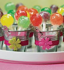 Miniature Metal Pails Are The Most Stylish Yet Simple Western Themed Wedding Favor Which Can Be Offered To Guest For Sharing Sweetness Of Such A