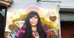 watch the creation of a big ang mural vulture