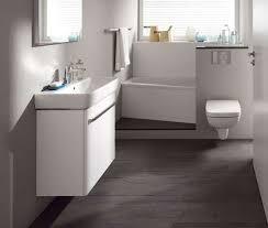 badezimmer grauer boden weiße wand interior design und