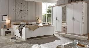 schlafzimmer komplett rovola in pinie weiß oslo pinie landhaus komplettzimmer mit doppelbett kleiderschrank und 2 x nachttisch