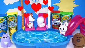 Crayola Bathtub Fingerpaint Soap by The Secret Life Of Pets Bath Paint Max Kisses Gidget Bath Time